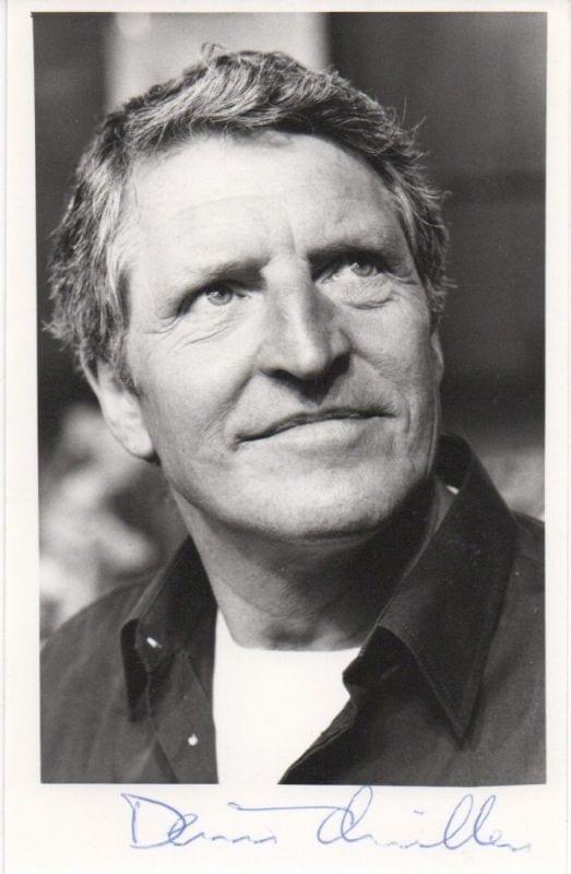 Denis Quilley